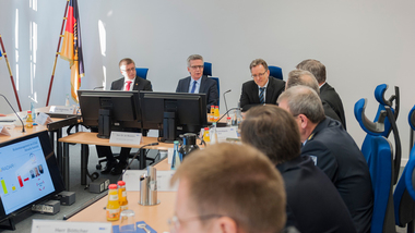 Federal Minister of the Interior de Maizière with the presidents and vice-presidents of the federal security authorities