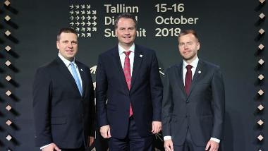 Professor Dr Krings in the middle. Jüri Ratas, Ministerpresident of the Republic Estonia (at the left) and Rene Tammist, Minister (at the right).